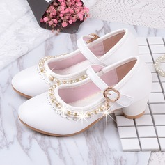 Pigens Round Toe Lukket Tå patent Leather lav Hæl Flower Girl Shoes med Pearl