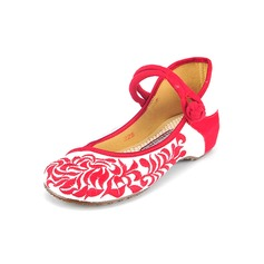 Women's Cloth Others Flats Closed Toe With Button shoes