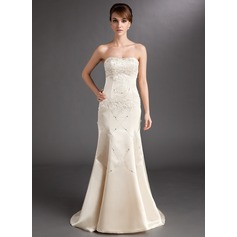 Trumpet/Mermaid Sweetheart Court Train Charmeuse Mother of the Bride Dress With Lace Beading