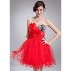A-Line/Princess Scalloped Neck Short/Mini Tulle Homecoming Dress With Ruffle Beading