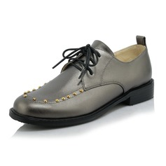 Women's Leatherette Low Heel Flats Closed Toe With Rivet Lace-up shoes
