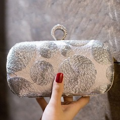 Elegant Embroidery Wristlets/Fashion Handbags