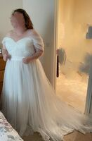 Ball-Gown/Princess Off-the-Shoulder Court Train Tulle Lace Wedding Dress With Ruffle (002124264)