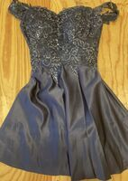 A-Line Off-the-Shoulder Short/Mini Satin Prom Dresses With Lace Sequins (018254572)