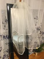 Two-tier Fingertip Bridal Veils With Ribbon Edge (006036611)