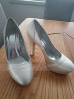 Women's Satin Chunky Heel Closed Toe Pumps Dyeable Shoes (047088671)