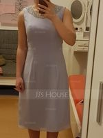A-Line Scoop Neck Knee-Length Chiffon Mother of the Bride Dress With Beading (008131940)