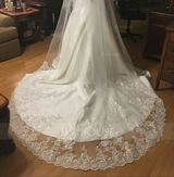 Two-tier Lace Applique Edge Cathedral Bridal Veils With Applique/Lace (006122649)