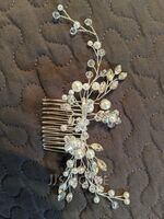 Ladies Elegant Crystal/Imitation Pearls/Glass Combs & Barrettes With Venetian Pearl (Sold in single piece) (042236879)