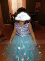 A-Line Knee-length Flower Girl Dress - Satin Sleeveless Scoop Neck With Flower(s)/Bow(s) (010103709)