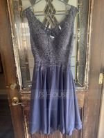 A-Line V-neck Knee-Length Chiffon Homecoming Dress With Beading (300244429)