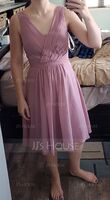 A-Line/Princess V-neck Knee-Length Chiffon Bridesmaid Dress With Ruffle Beading Sequins (007074176)