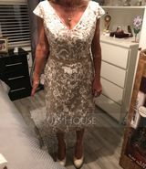 Sheath/Column V-neck Knee-Length Lace Mother of the Bride Dress With Beading Sequins (267204633)