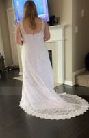 Trumpet/Mermaid V-neck Sweep Train Lace Wedding Dress (002171938)