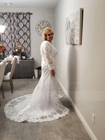 Trumpet/Mermaid V-neck Court Train Tulle Lace Wedding Dress With Beading Sequins (002215666)