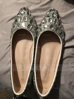 Women's Leatherette Flat Heel Closed Toe Flats With Rhinestone (047149264)