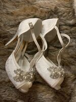 Women's Lace Silk Like Satin Stiletto Heel Peep Toe Platform Pumps With Buckle Rhinestone Pearl (047233090)