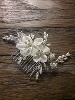 Ladies Glamourous Alloy Combs & Barrettes With Venetian Pearl (Sold in single piece) (042165766)