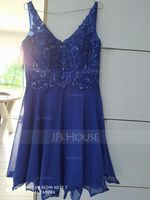 A-Line V-neck Knee-Length Chiffon Homecoming Dress With Sequins (022157213)