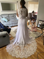 Trumpet/Mermaid V-neck Chapel Train Wedding Dress With Lace (002254057)