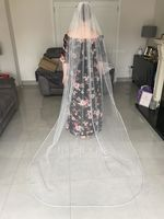One-tier Pencil Edge Chapel Bridal Veils With Beading (006109862)
