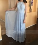 A-Line/Princess Scoop Neck Floor-Length Chiffon Lace Prom Dresses With Pleated (272184194)