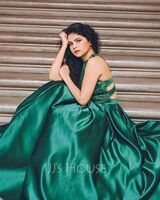 Ball-Gown/Princess Scoop Neck Floor-Length Satin Prom Dresses With Beading (018138334)