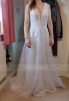 A-Line V-neck Sweep Train Tulle Wedding Dress (002186385)