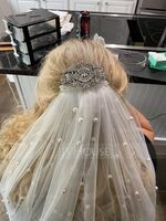One-tier Chapel Bridal Veils With Faux Pearl (006209271)