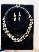 Gorgeous Alloy/Rhinestones With Pearl Jewelry Sets (011017853)