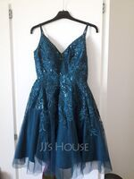 A-Line V-neck Short/Mini Tulle Homecoming Dress With Lace Sequins (022236547)