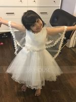 A-Line/Princess Knee-length Flower Girl Dress - Satin/Tulle Sleeveless Scoop Neck With Lace/Appliques (010090652)