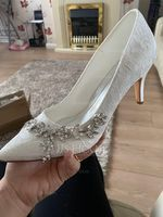 Women's Lace Silk Like Satin Stiletto Heel Pumps With Crystal (047187720)