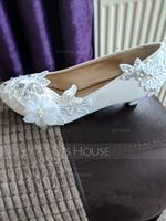 Women's Lace Leatherette Kitten Heel Closed Toe With Rhinestone Applique (047119411)