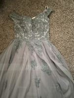 Ball-Gown/Princess V-neck Sweep Train Tulle Prom Dresses With Lace (018175935)