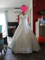 Ball-Gown V-neck Court Train Satin Lace Wedding Dress With Ruffle (002059189)