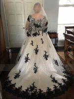 Ball-Gown V-neck Court Train Tulle Wedding Dress With Appliques Lace (002134800)