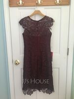 Sheath/Column Scoop Neck Knee-Length Lace Mother of the Bride Dress (267213719)