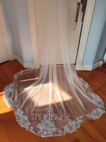 One-tier Lace Applique Edge Cathedral Bridal Veils With Satin Flower (006258616)