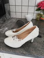 Women's Lace Leatherette Stiletto Heel Closed Toe Pumps With Imitation Pearl Applique (047132792)