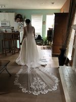 One-tier Chapel Bridal Veils With Lace (006190598)