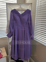 A-Line V-neck Tea-Length Chiffon Mother of the Bride Dress With Ruffle (267253545)