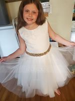 A-Line/Princess Knee-length Flower Girl Dress - Tulle/Lace/Sequined Sleeveless Scoop Neck With Bow(s)/V Back (010147440)