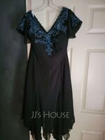 V-neck Tea-Length Chiffon Lace Mother of the Bride Dress With Sequins (267236710)