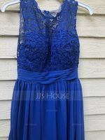 A-Line/Princess Scoop Neck Knee-Length Chiffon Lace Bridesmaid Dress With Ruffle (007153361)