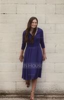 V-neck Knee-Length Chiffon Bridesmaid Dress With Pockets (266235080)
