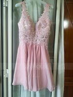 A-Line V-neck Short/Mini Chiffon Homecoming Dress With Beading (022164857)