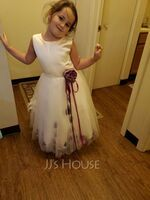 A-Line/Princess Knee-length Flower Girl Dress - Organza Satin Tulle Sleeveless Scoop Neck With Flower(s) (269177226)
