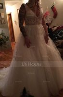 Ball-Gown V-neck Chapel Train Tulle Lace Wedding Dress (002134395)