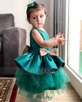 Ball-Gown/Princess Knee-length Flower Girl Dress - Tulle Sleeveless Scoop Neck With Ruffles/Bow(s) (010225333)